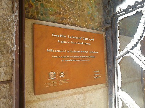Placas Casa Milà La Pedrera