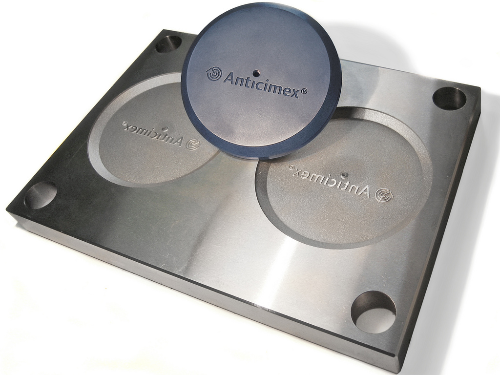 Engravings in injection moulds
