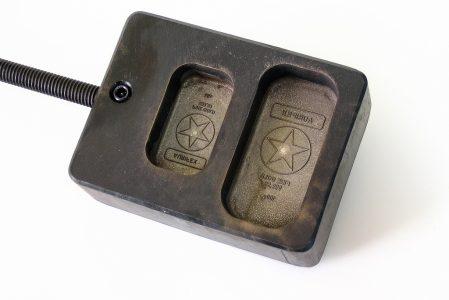 Ingot engraved to melt gold or silver